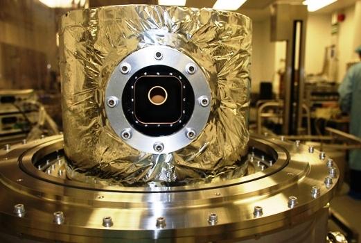 20K Vacuum Cryostat