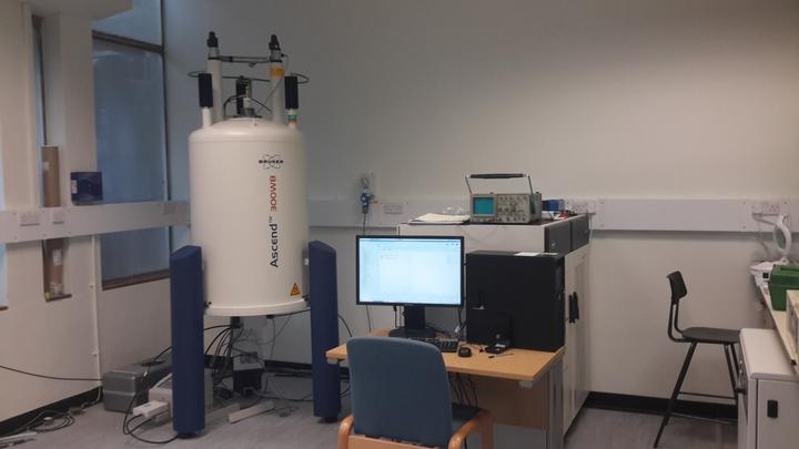 NMR Solid-state 300