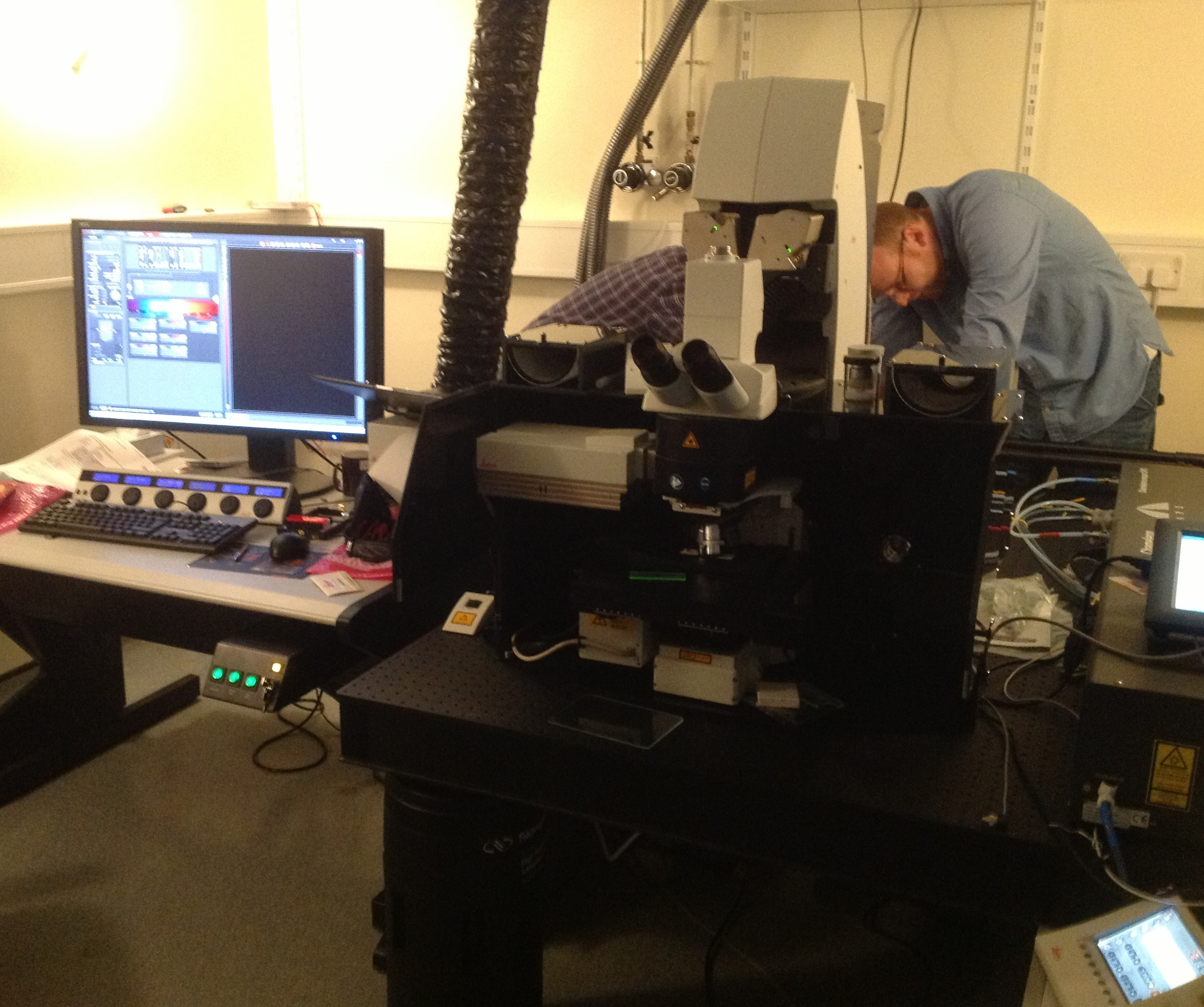 Multi-photon- OPO Confocal Microscope